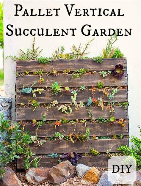 How To Make A Vertical Garden With Succulents Kent Heartstrings Pallet Vertical Succulent Garden Diy