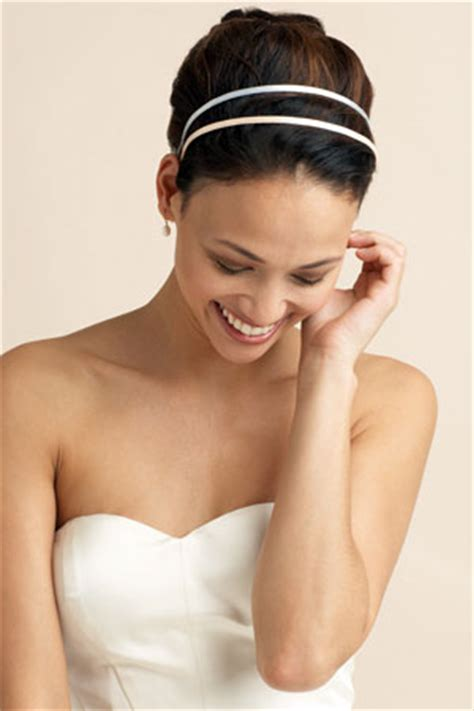 wedding hair accessories the knot best wedding hair accessories howstuffworks