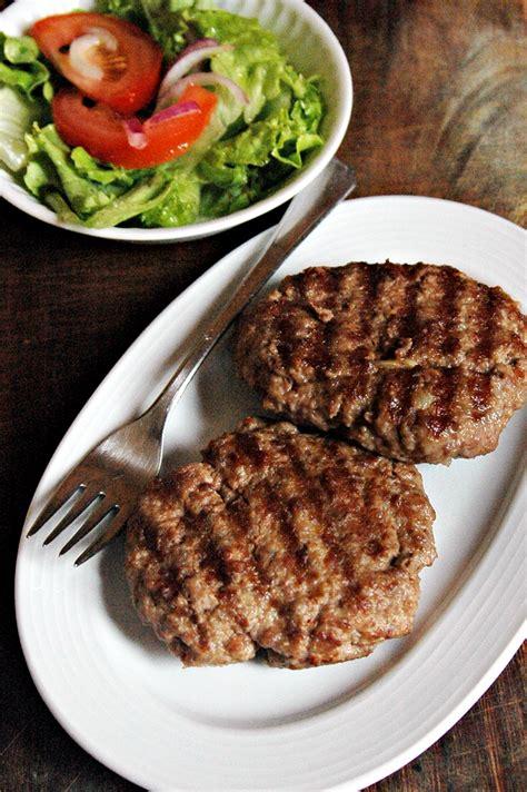 piastra per cucinare hamburger mamma papera hamburger di carne alla piastra