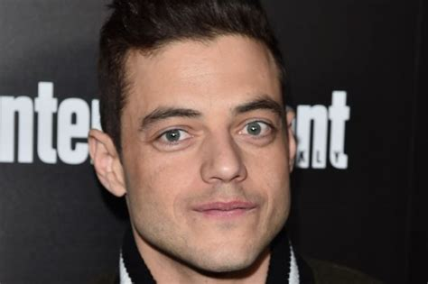 actor queen mr robot actor rami malek tipped to play freddie mercury