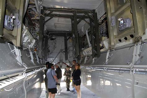 B 2 Bomber Interior by B 2 Stealth Bomber Inside Www Imgkid The Image Kid