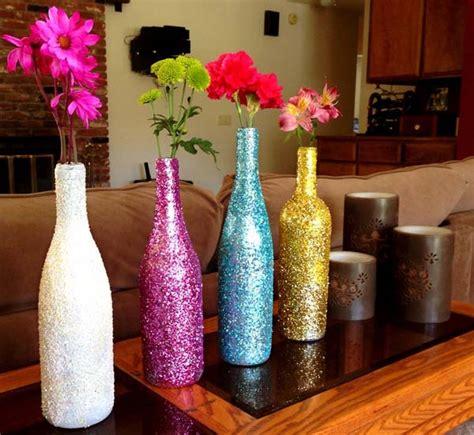 12 ideas creativas con botellas y tarros de vidrio papelisimo como decorar una botella de vidrio para regalar botella de