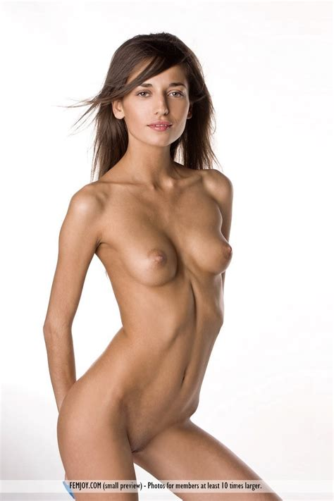 Junior Jr Nude Art Hot Girls Wallpaper