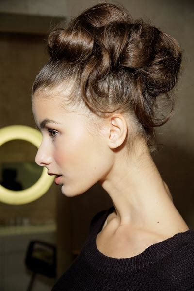 Hepburn Inspired Wedding Hairstyles by How To Do Chic Bridal Chignons Like The Iconic