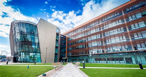 De Montfort Leicester Mba by Wastecycle Makes The Grade At De Montfort Fmj