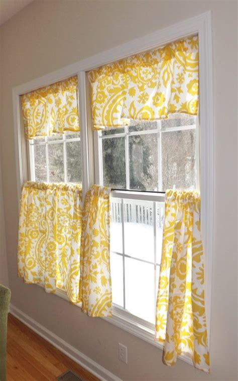 yellow cafe curtains best 25 cafe curtains kitchen ideas on pinterest