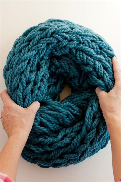 how to make a scarf without knitting here s how i knit a beautiful scarf without knitting needles
