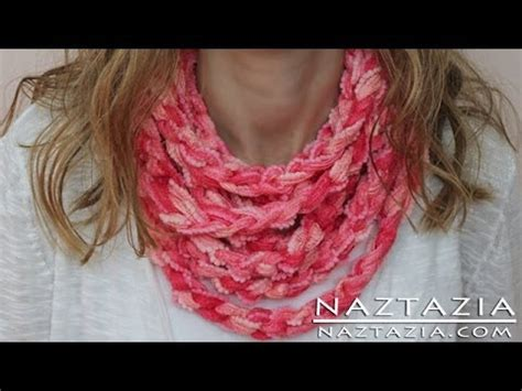 what to do with finger knitting chains diy learn how to make infinity scarf circle loop cowl