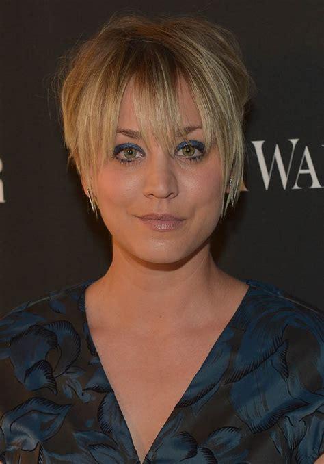 big bang blonde short hair cut pictures kaley cuoco s two bad hair days at vera wang and critics