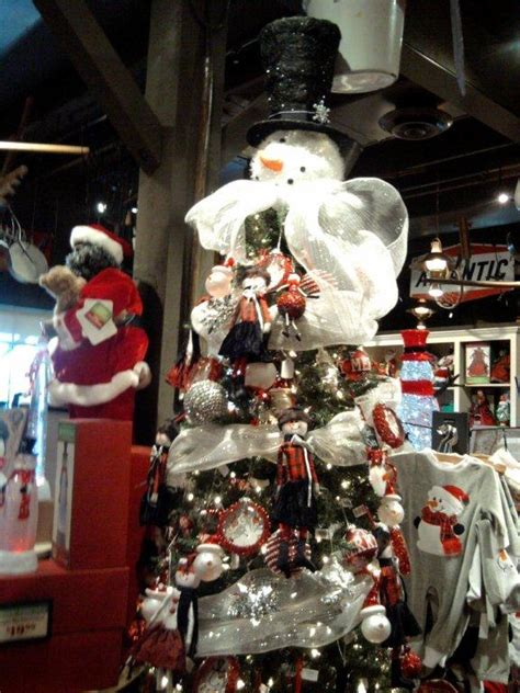 cracker barrel christmas decorations via elizabeth