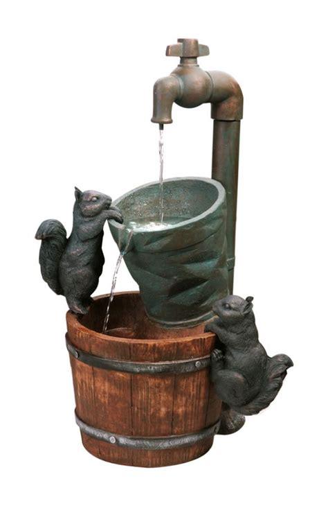 fontaine d ext 233 rieur solaire robinet et ecureuils 114 99