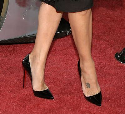 Sticking A Foot Into The Toe Cleavage Debate by 100 Best Images About Marisa Tomei On