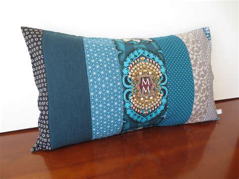 housse coussin bleu canard housse coussin patchwork soie bleu canard gris textiles et tapis par michka