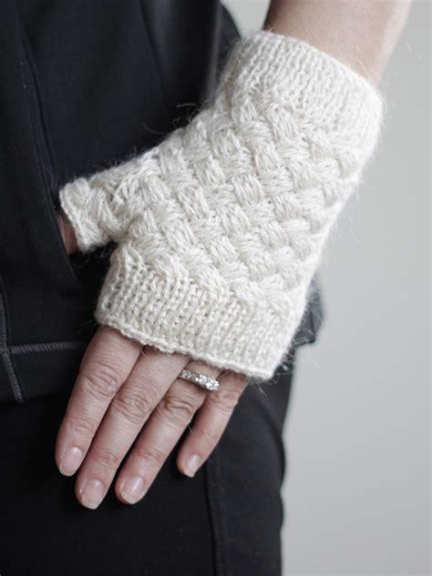 knit pattern heart mittens heart gloves for women knit fingerless gloves heart