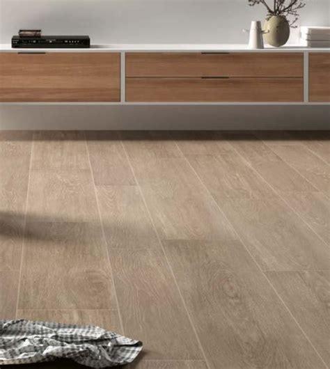 keramiek vloeren 25 beste idee 235 n over keramische houten vloeren op