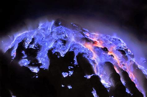 Kawah Ijen Blue Fire Tour Package 2D/1N ? Mount Bromo Tour