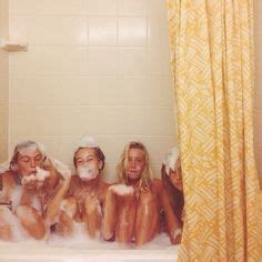 Friends Are In The Bathroom by 1000 Images About Baths On