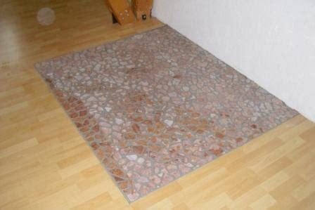 fliesen unter kaminofen natursteine als alternative zur kaminofen glasplatte