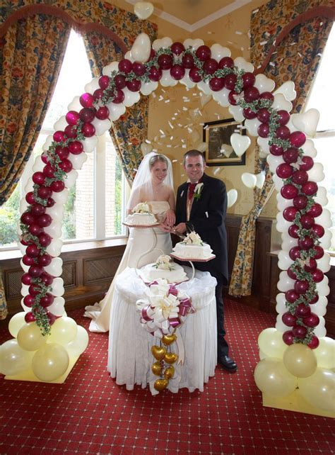 balloons for weddings   Worldwide Balloon Decor