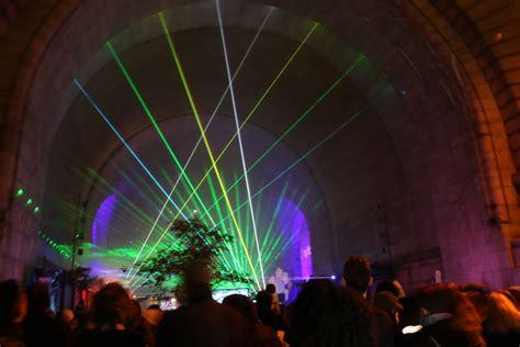 dumbo festival of lights the new york festival of light transforms dumbo