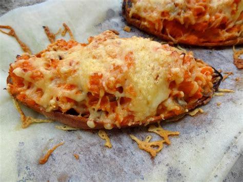 cuisiner patate douce au four recette de la patate douce farcie aux chignons