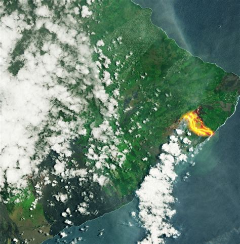 what s in a lava l damn a shot of hawaii s kilauea volcano lava flows as