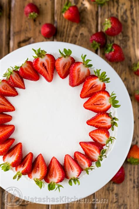 how to make tres leches cake with fruit in the middle