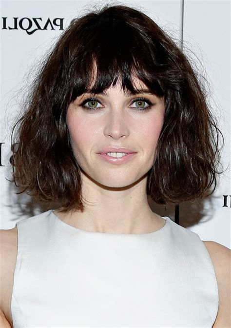 Wavy Hairstyles With Bangs by Felicity Jones Wavy Haircut With Choppy Bangs