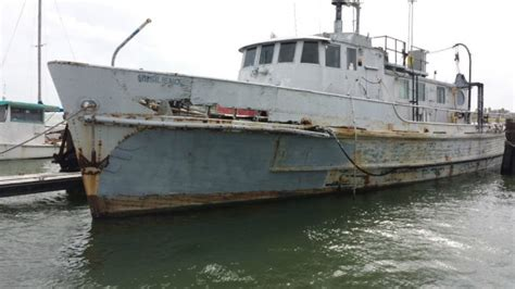 boat from us to uk dock find 1958 navy mine hunter