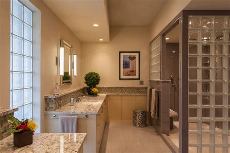 how to design and decorated a luxury condo bathroom to