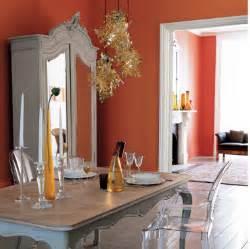 Délicieux Peinture Salle A Manger Tendance #1: decoration-salle-a-manger-salon-murs-peinture-orange-meuble-style-peinture-grise5-e1433427790100.png