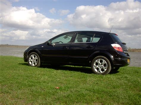 opel astra 2004 black 2004 opel astra enjoy 1 9 cdti related infomation