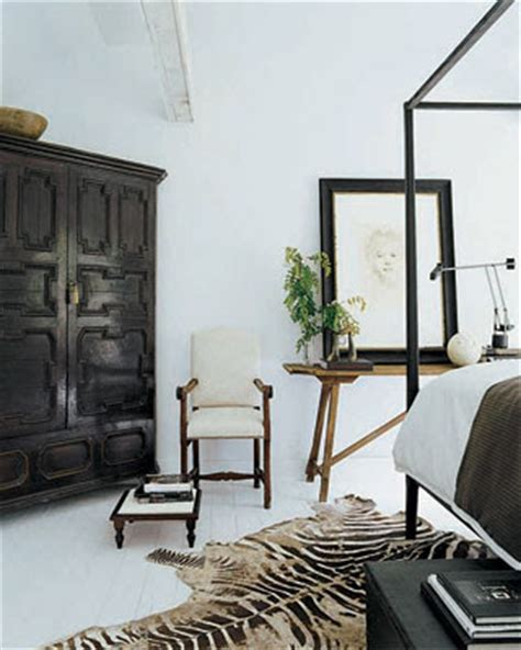 modern mix antiques modern furniture in darryl carter s red river interiors quiet rooms darryl carter style