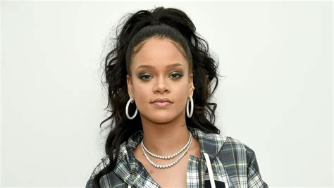 rihanna hairstyles in 2018 celebrity looks winter hairstyles 2018 hairdrome com