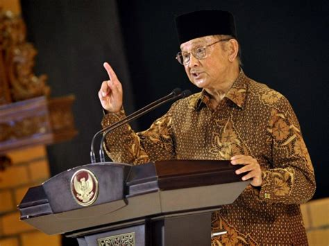 biografi bachrudin jusuf habibie top 10 smartest world presidents with highest iq scores