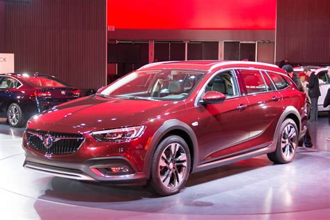 buick regal cost wagons whoa 2018 buick regal tour x costs 29 995 to start