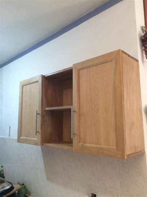 gabinete alacena cocina integral puertas pared madera