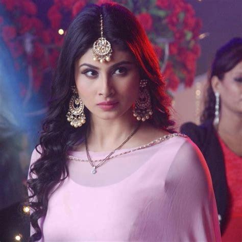 nagin 2 serial moni roy sari hd image mouni roy in naagin telly beauties pinterest
