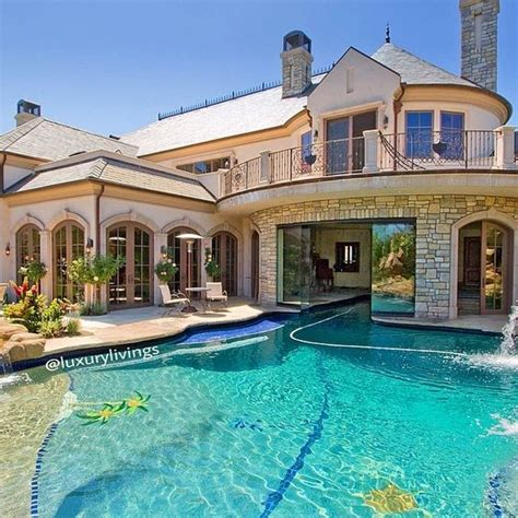 La Luxury And Tell tell me that is a slider the house with
