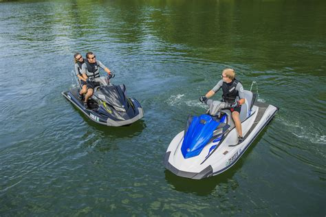 buy jet ski or boat personal watercraft pwc and jet ski buyer s guide