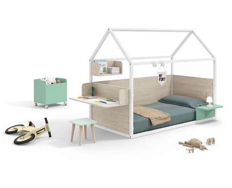 Lit Montessori by Chambre Pour Enfant Avec Lit Maison Montessori Meubles Ros
