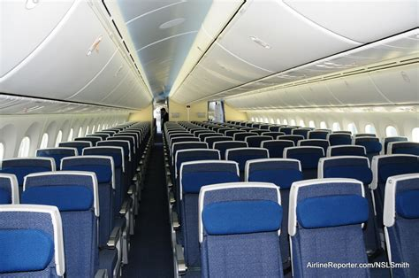 787 Dreamliner Pictures Interior by Interior Photo Tour Of S Boeing 787 Dreamliner