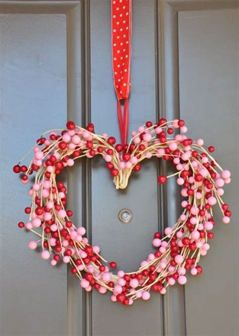heart decorations home 30 wreath and garland ideas for valentine s day digsdigs