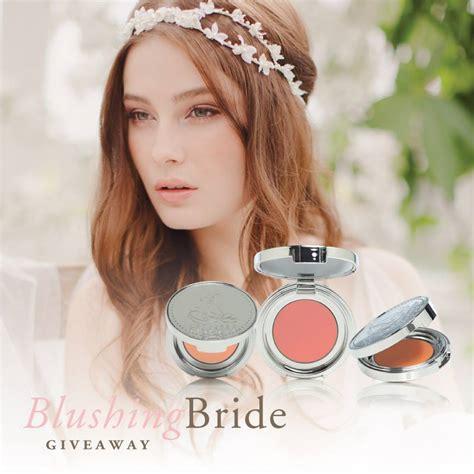 Bride Giveaway - jannie baltzer l eclisse blushing bride giveaway chic vintage brides chic
