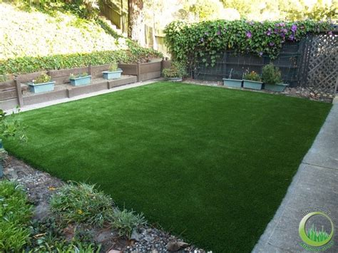 backyard grass synthetic turf sod in a backyard of san rafael