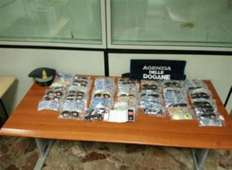 ufficio dogane bari bari 76 occhiali ban contraffatti nel bagaglio