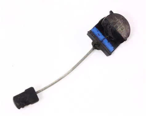 Car Door Latch Cable - rh rear small door latch handle cable 98 05 vw