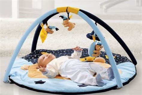 speelgoed baby 3 maanden spelen met je baby