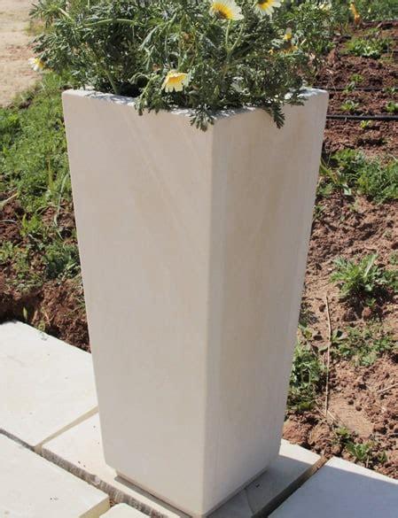 vaso in pietra vaso alto pietra leccese