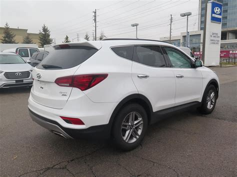 Hyundai Santa Fe Sunroof by 2017 Hyundai Santa Fe Leather And Sunroof 28 980